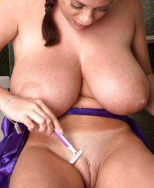 Big Boobs And Shaved Pussy