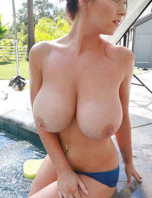 Big boobs tits nude model can