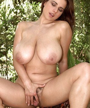 Huge Boobs Pussy Spread Pics
